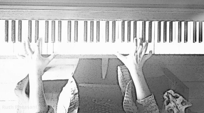 Online Piano Lesson Instruction Video Screenshot
